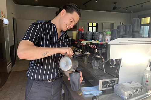 Cafes offering waste-free takeaway